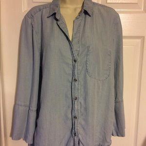 Anthropologie Cloth & Stone shirt size medium.