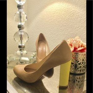 Banana Republic Nude heels w/ yellow chunky heel 7