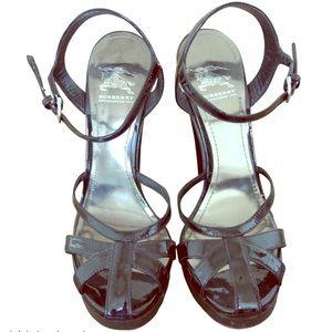•Burberry• Prorsum Black Patent Leather Heels