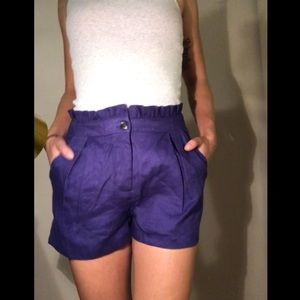 Comfy high-wasted shorts