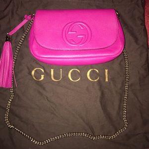 Gucci Bags - Gucci pebbles calfskin medium soho shoulder bag