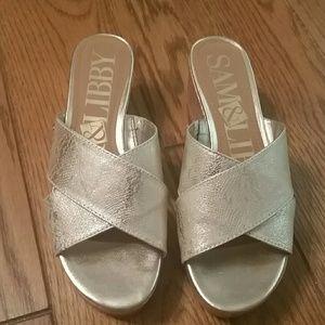 Gold Sam & Libby sandals