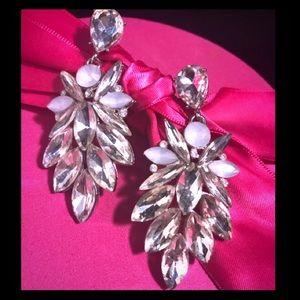 SALE🎊✨💎Kenneth Jay Lane crystal earrings 🆕💎✨