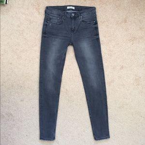 Zara skinny jeans in grey color