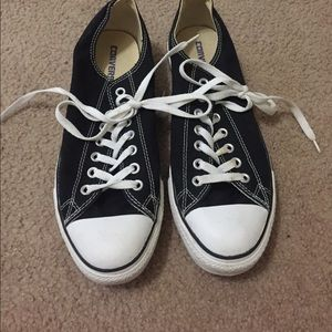 Black Converse- Barely Worn!
