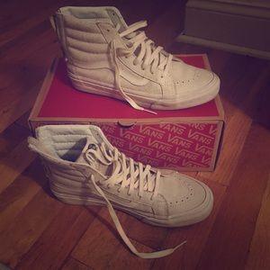 White leather Vans SK8-Hi with zipper back
