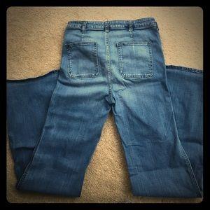 Size 6 W 28 Abercrombie Jeans. Worn twice!