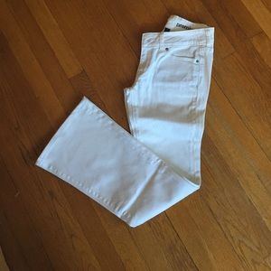 Gap white flare jeans 2/26
