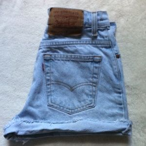 Levi's high waist Jean shorts Size 6