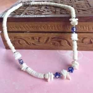 🐚 White Shell Necklace with Blue Flowers
