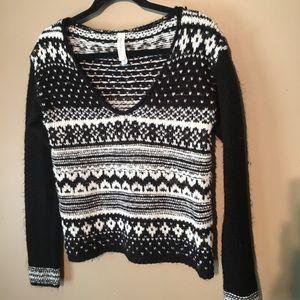 Cute Aeropostale V-neck Sweater size M