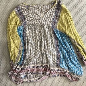 zara paisley v-neck tunic top size large