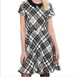 Hot Topic Black Plaid Collared Dress Size XL