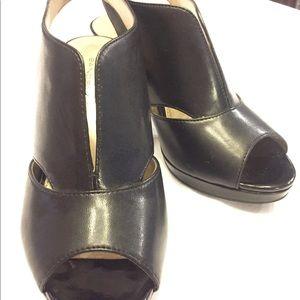 Bandolino black peep toe platform sandal