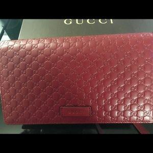 Authentic NWT GUCCI Guccisima Retail $895