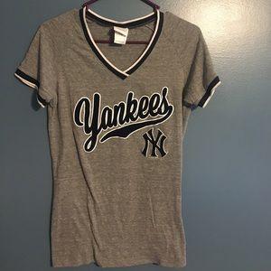 Yankees top