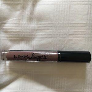 NYX lingerie liquid lipstick #14 confident