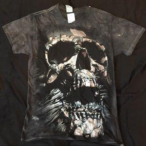 Men's size S t-shirt nwt