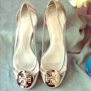 Tory Burch Reva Silver Clear Shoes 9M