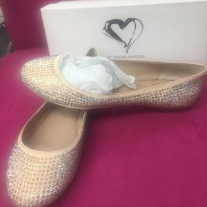 Stunning AB Crystal Steve Madden Flat Shoes,8.5