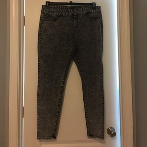 Forever 21 black stonewashed jeans
