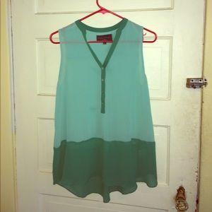 Flowy green blouse / tunic
