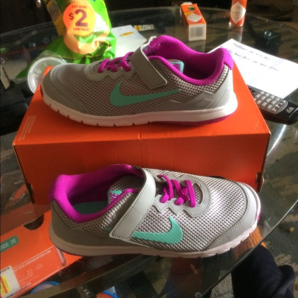 Nike Other - New nike girls running sneakers size 3y color gray
