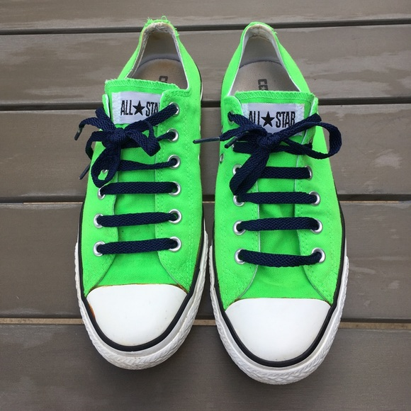 3e4e5559a72e61 Converse Shoes - 💚 Neon Green Converse Low Top Women s 10 Men s 8