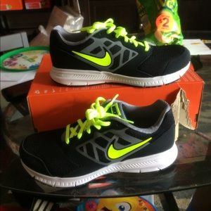 New nike boys running sneakers size 7y color black