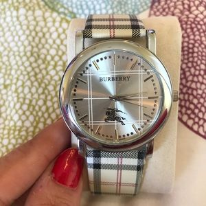 Accessories - Men's Burberry watch