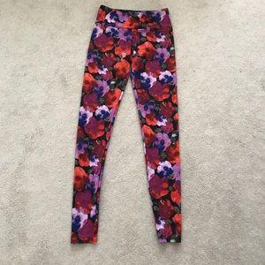 Onzie. Leggings. Floral.