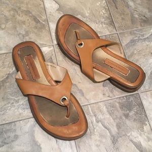 BANANA REPUBLIC camel sandals