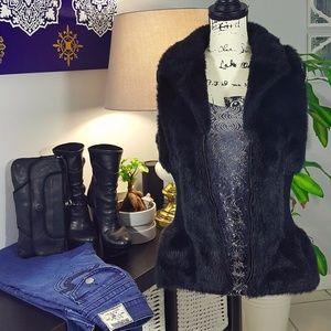 Romeo & Juliet Couture faux fur zipped vest L