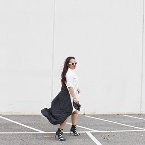 Dresses & Skirts - Graphic B&W Asymmetrical Dress