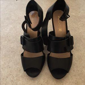 Aldo size 8.5  chunky heel black sandals In style