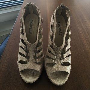Faux snakeskin link heels
