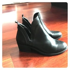 Black Ankle Boot by Wild Diva Size 9
