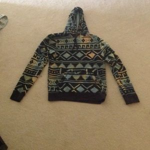 Patterned pull over