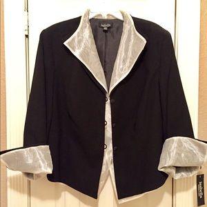 Dresses & Skirts - 2-Piece Dressy Suit