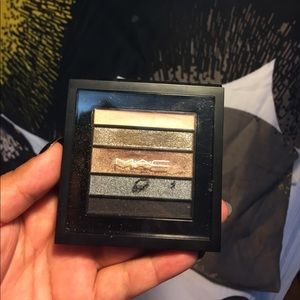 MAC smokey eye shadow palette 🎨