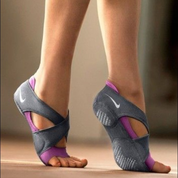 yoga shoes nike