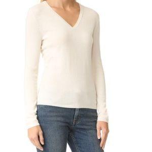TSE Classic Cashmere Sweater in Black