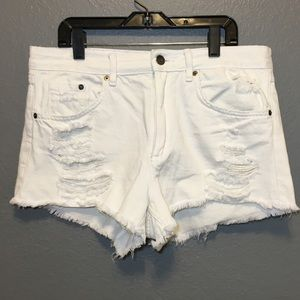 H&M Sz 10 White Distressed Med. Rise Shorts