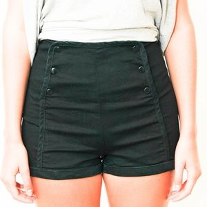 Urban Outfitters High Waisted Snap Shorts Size 8