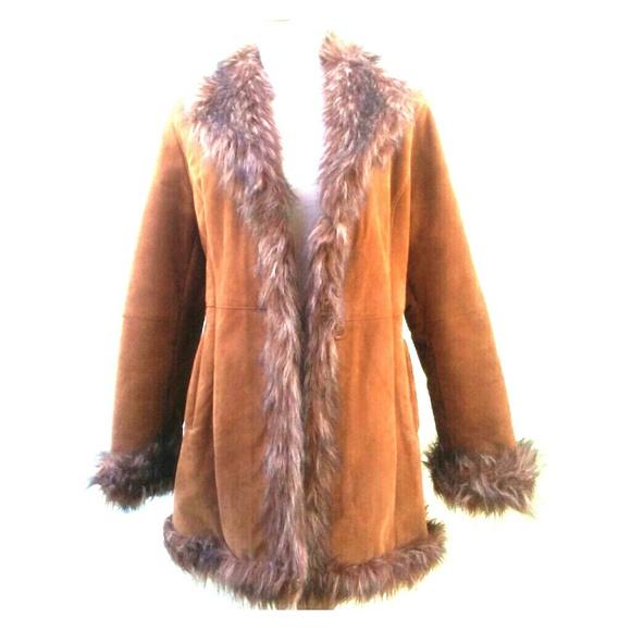 79ecf441ac4 Vintage 70s real Suede Boho Faux fur collar trim. M 59c568d2d14d7bb6b803a8c6