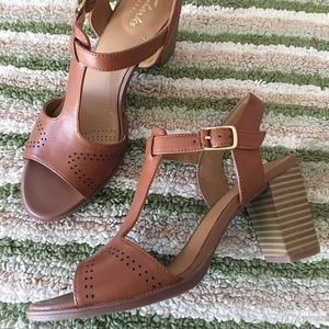 Clark's T-Strap Soft Leather Brown Sandals