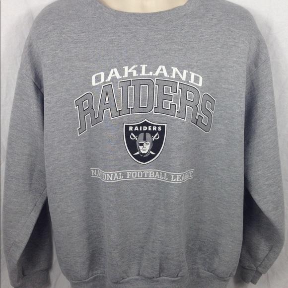 b4191ff2205 Vintage NFL Oakland Raiders Crewneck Sweatshirt. M 59c56db95c12f874b403b65e