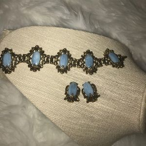 VINTAGE bracelet and clip on earrings