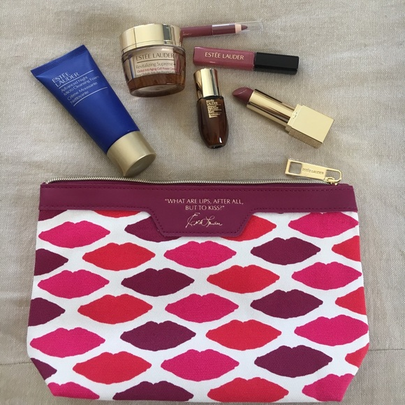 Estee Lauder Other - Estée Lauder cosmetics bag with samples