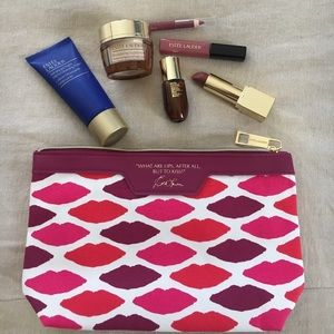 Estee Lauder Makeup - Estée Lauder cosmetics bag with samples